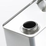 液体(オイル)を缶からこぼさずに容器に移す方法